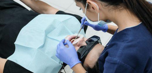 Hva er tannimplantater?